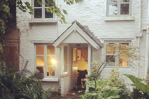 Rose Cottage - A magical hideaway