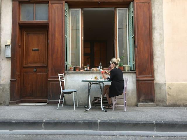 Studio 35m2 centre ville de Die, rue calme