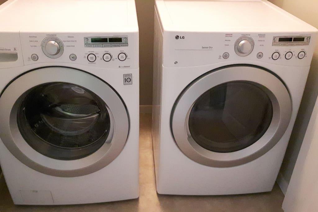 Top-floor washer and dryer