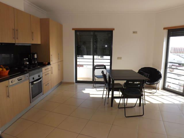 BEL APPARTEMENT MODERNE VUE SUR MER - BALCONS - - Olhao - Appartamento