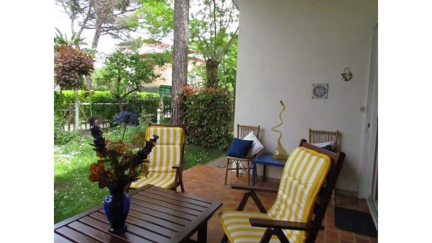 Bellissima villa singola con giardino privato