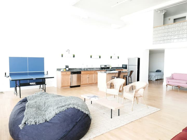 Greater Downtown Loft: Model B