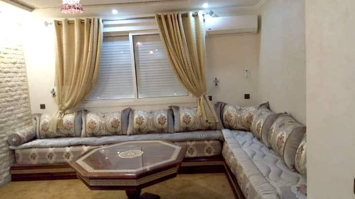 Wohnung mit 2 Schlafzimmern in Agadir mit schöner Aussicht auf die Stadt, Terrasse und W-LAN - 700 m vom Strand entfernt