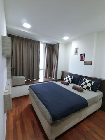 Amazing Spacious 3 Bedroom Apt @ Geylang Central