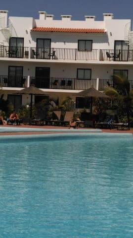 Poolside Melia Dunas apartment - Santa Maria - Flat