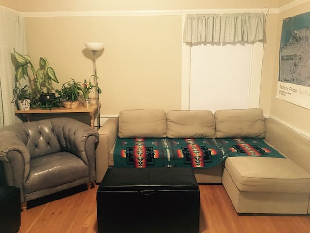 2 Bedrooms In Charming Apartment Near Uc Berkeley