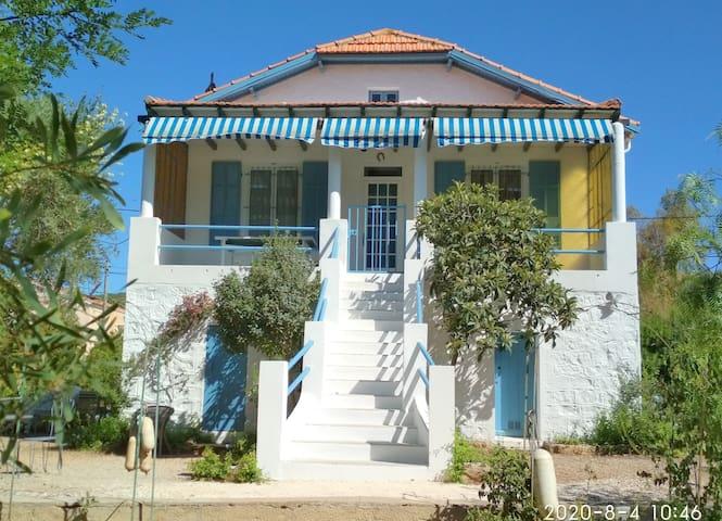Bandol : Maison de Vacances à la mer-Tout à pied