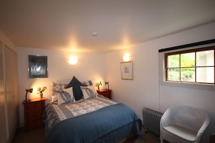 Arrowtown Lodge Studio room with full breakfast