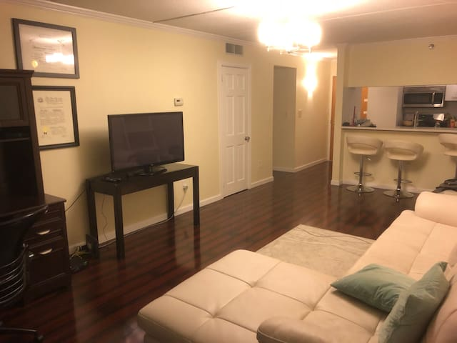 Long term lease, spacious 1 bedroom