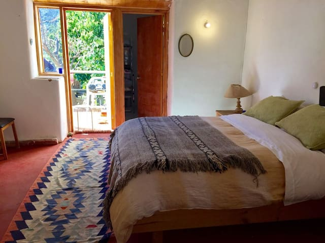 Pisco Elqui, Habitacion Matrimonial, baño privado.