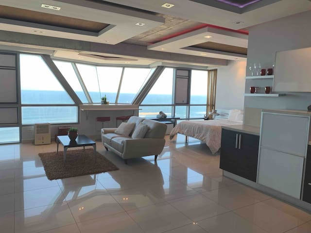 Heart of San Juan Studio, Spectacular ocean views