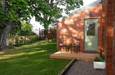 The Bothy - detached 'tiny house' / studio