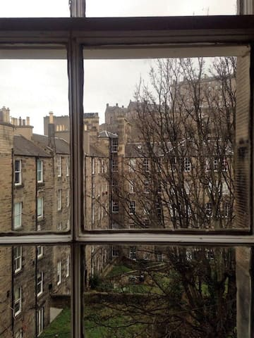 Spacious Room in Edinburgh city centre. - Edinburgh