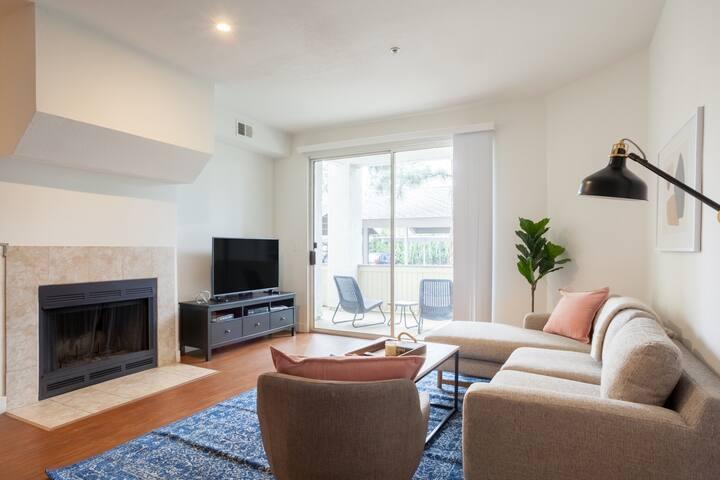 Spacious 2BR Apartment in Pleasanton