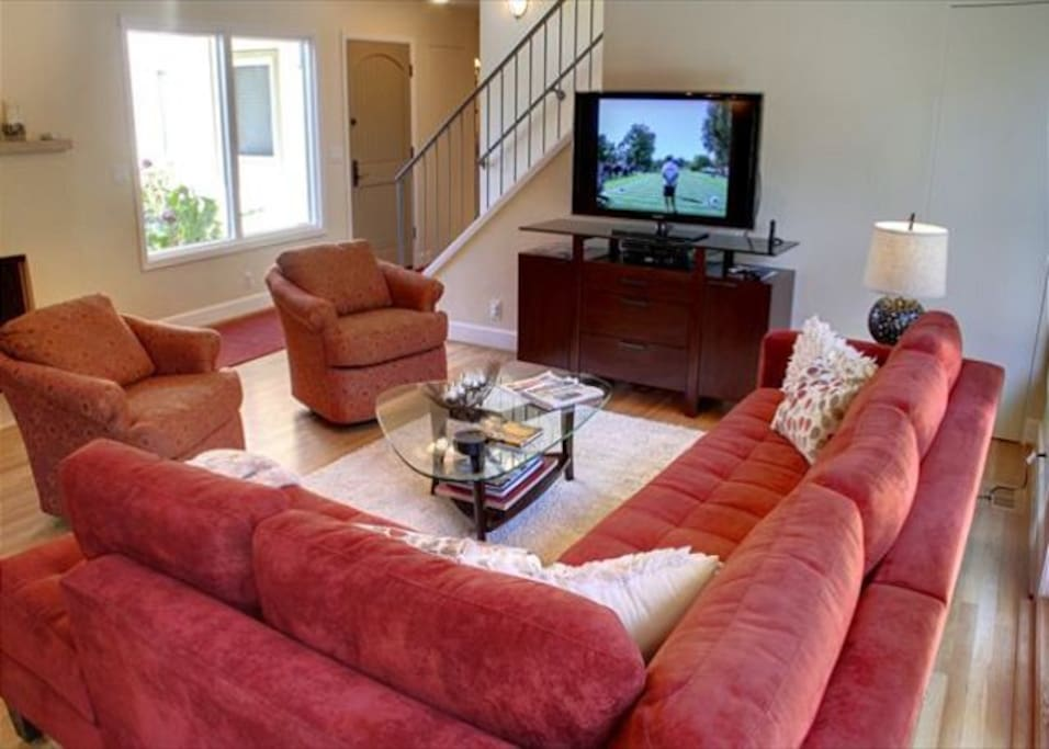 Great room with HDTV.
