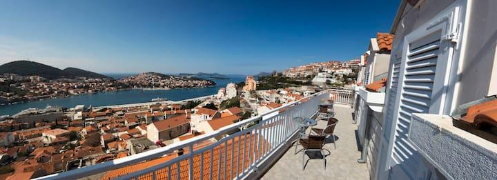 Amazing view- apartment Kacic