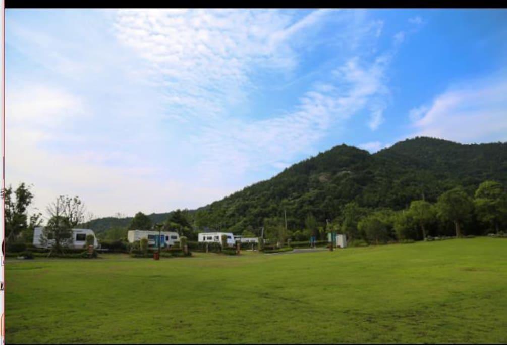 公共区域:大草坪