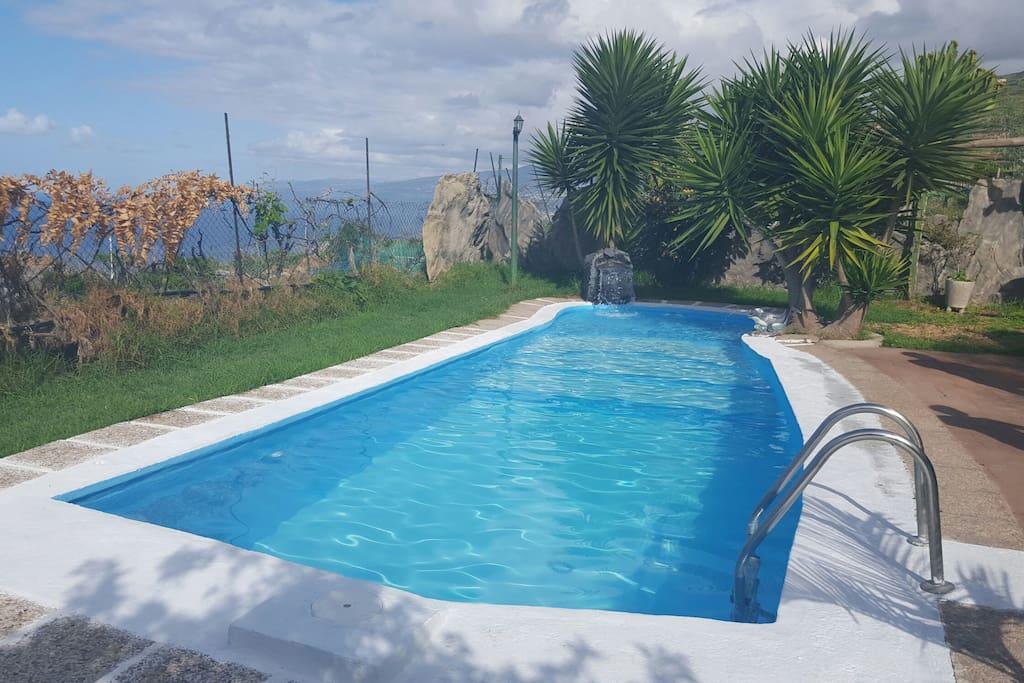 Casa con piscina barbacoa y vistas maisons louer for Piscinas de san juan