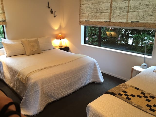 Private, comfortable Bed & Bathroom in Taupo