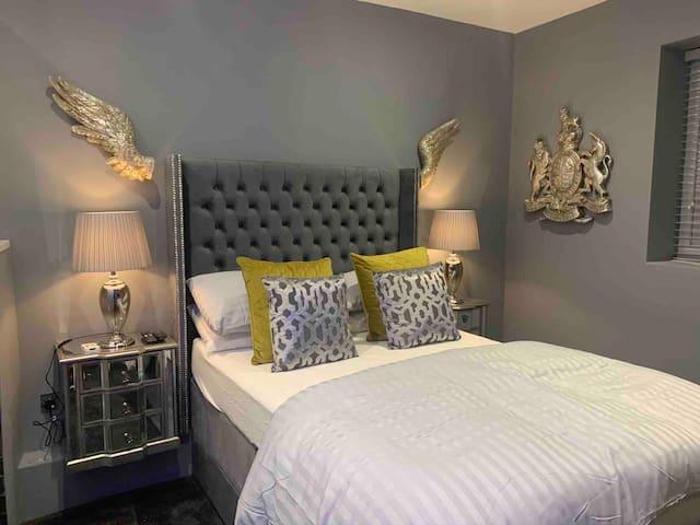 Brighton Rock - Egremont House Room 1