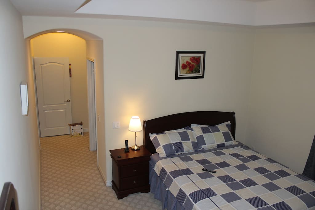 room 1,include private bathroom,walk-in closet,two windows