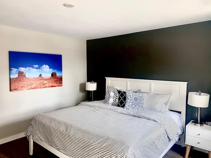 Swedeinn: New motel room #15 downtown Sister Bay