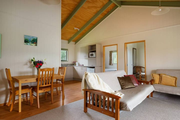 Family Cottage at Longbourne Lodge (sleeps 7)