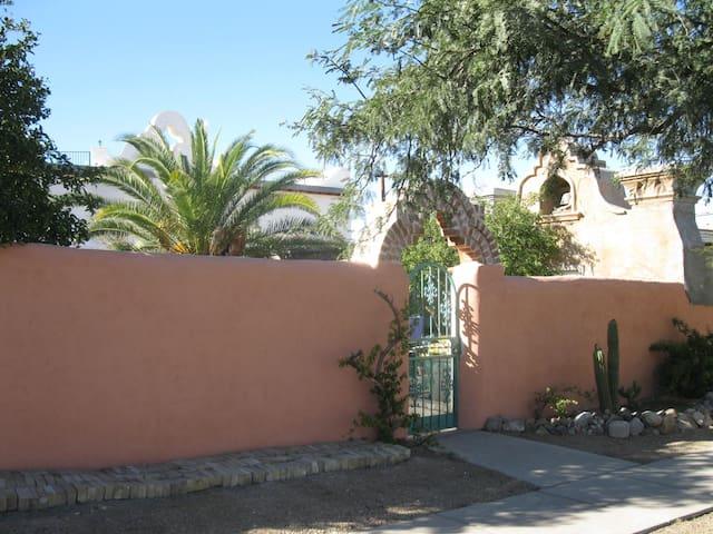La Vita House- Girls House 2b