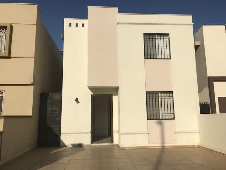 Casa completa en Las Lomas sector Jardines