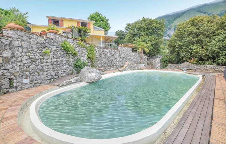 Holiday cottage with 3 bedrooms on 150m² in Maratea PZ