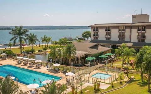 Apt resort vista lago romântico p lazer trabalho 4