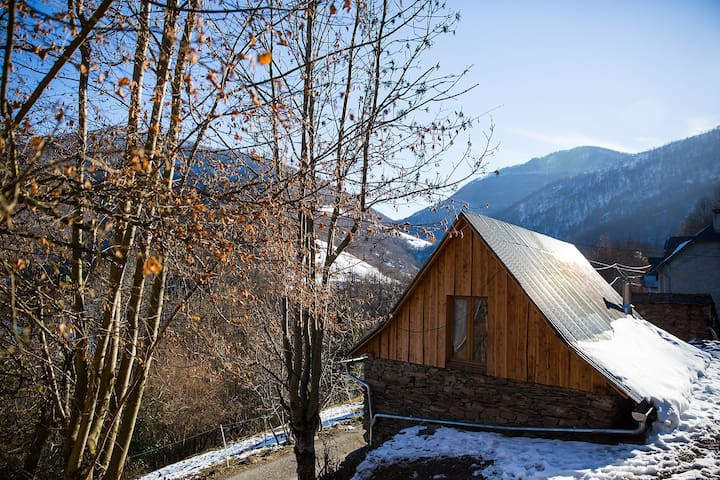 Gite de Nedé, mountain shepherds barn. - Augirein - Rumah