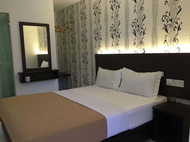 Apple 1 Hotel (Gurney) Superior Room - George Town - Bed & Breakfast