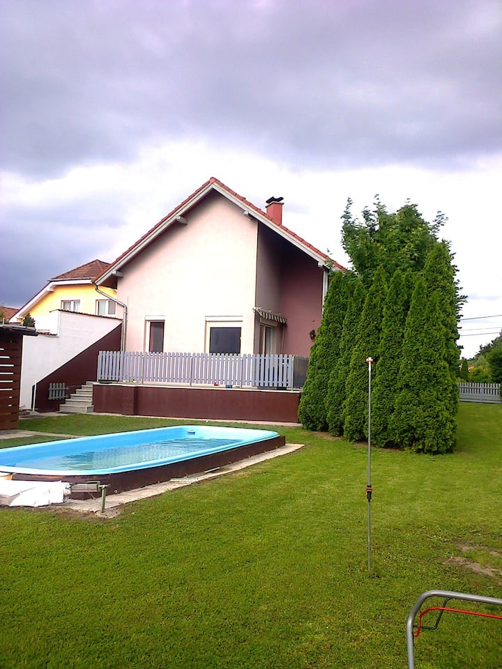 Fertőszentmiklós Haus