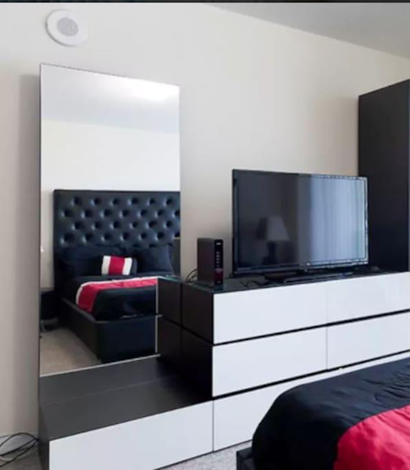 Master Room dresser