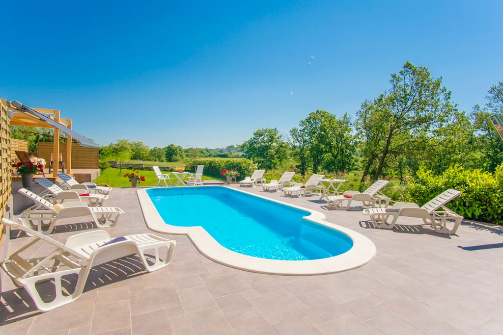 New, shared swimming pool