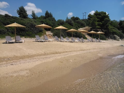 Red Coral Apartments, 50m from the beach