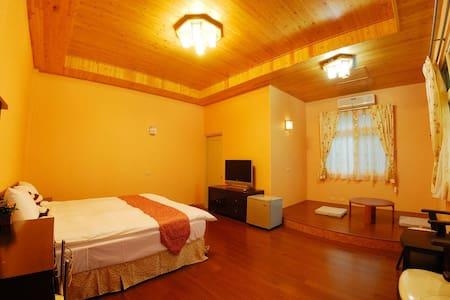 Peach Villa B&B ~ Standard Double Room - Lugu Township - Minsu (Tajwan)