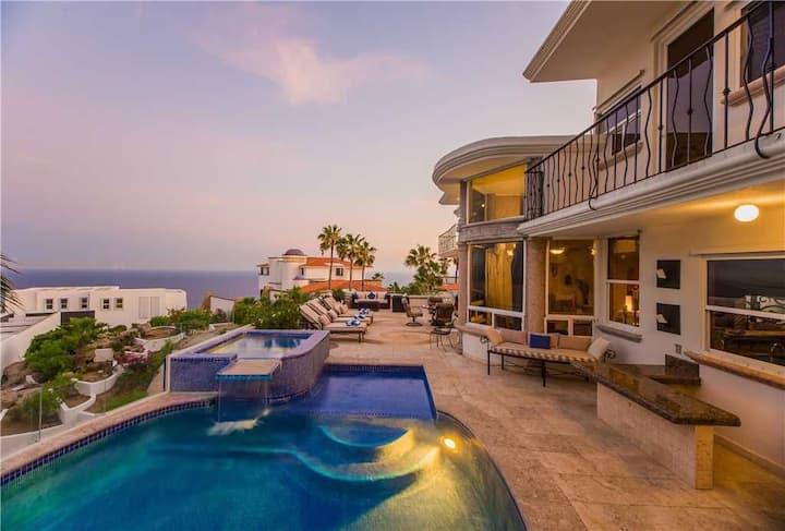 Spacious Villa w/ Great Ocean Views: Villa Alegria