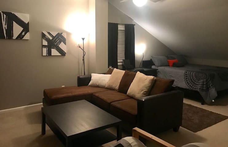 Entire 2nd Floor Very Clean/Cozy Coffee & Treats