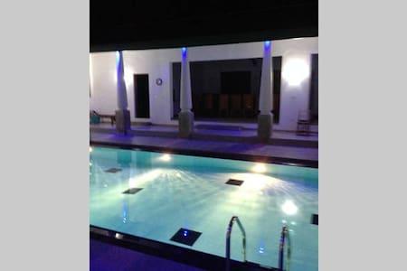 Single Room with Attached Bath-Nelum Villa - Nabiriththankadawara