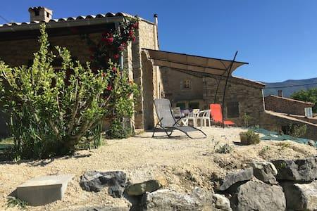 Maison en pierre, Drome Provençale - Sainte-Jalle