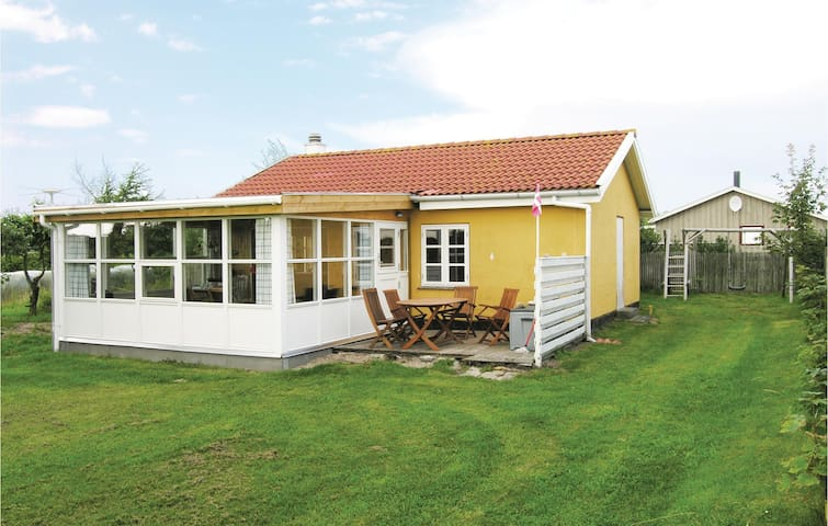 Holiday cottage with 3 bedrooms on 68m² in Snedsted