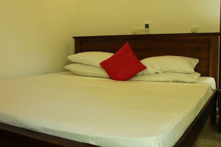 3 Holiday Rooms in Hikkaduwa. - Hikkaduwa - House