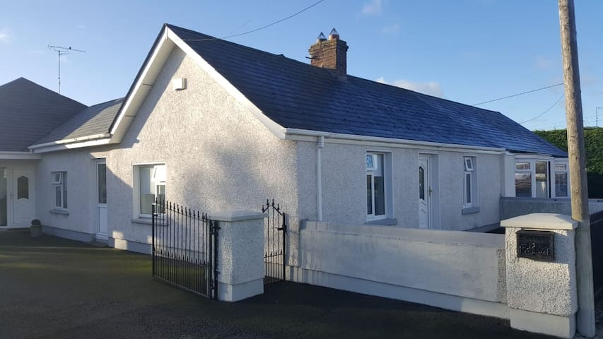 Cosy Cottage Slane/Navan Sleeps 6 €25per person