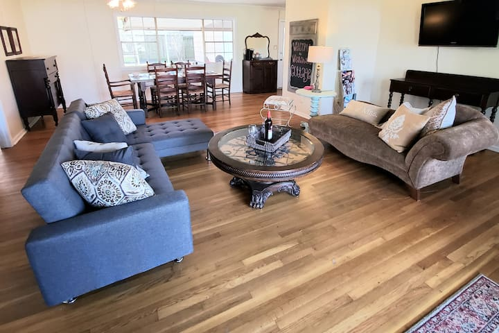 The Westchase Cottage is the perfect place for YOU