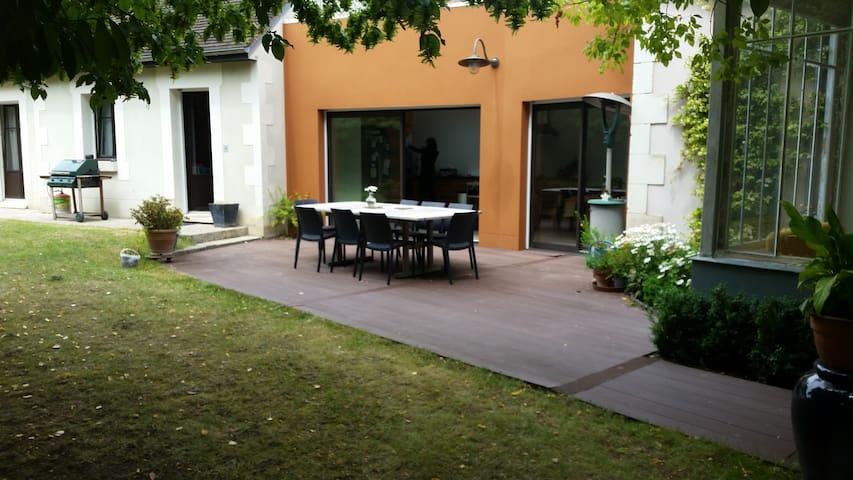 Maison individuelle avec jardin, 4 chambres - Auxerre - Huis