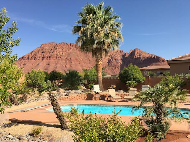 Red Rock Studio Casita with pool in/St George Area