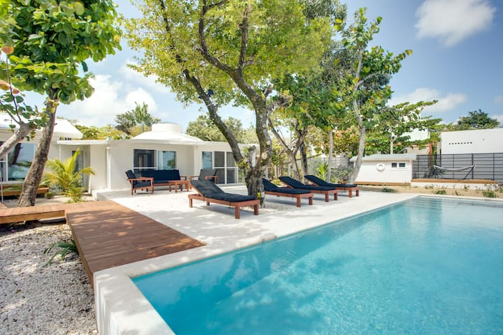 Oceanfront with Pool - 2 Bedroom Beach House