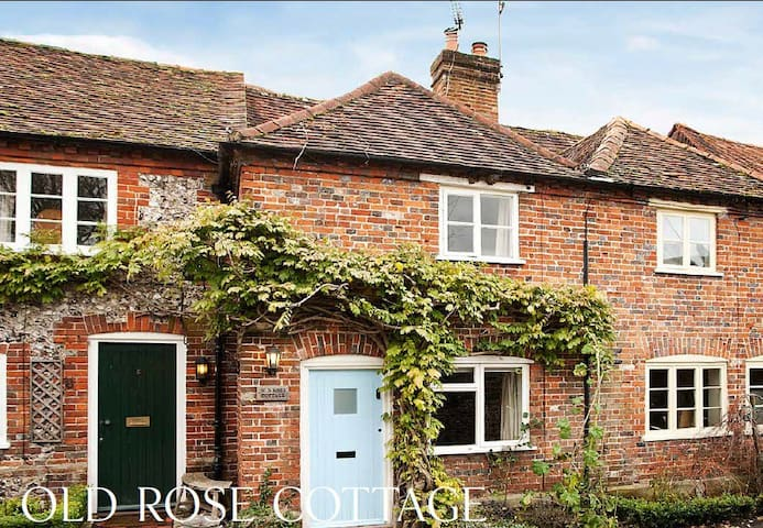 Listed Cottage in idyllic Chilterns village
